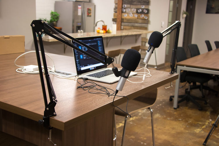 How to Set Up a Podcast Recording Studio